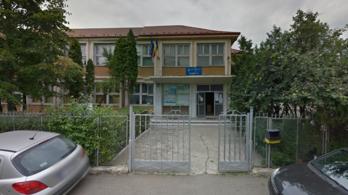 Külön bejáratot akartak csinálni a roma és nem roma gyerekeknek egy romániai iskolában