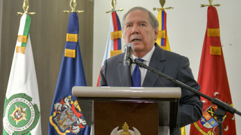 Lemondott a kolumbiai védelmi miniszter, mert gyerekek haltak meg a hadsereg bombázásában