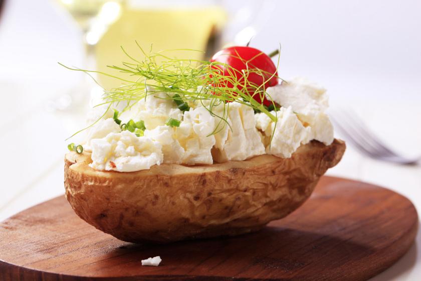 héjában főtt krumpli sajttal recept
