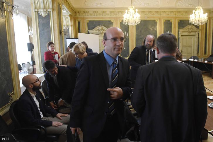 Maruzsa Zoltán köznevelésért felelős helyettes államtitkár a Köznevelési-stratégiai Kerekasztal ülésén az Emberi Erőforrások Minisztériumában 2018. szeptember 24-én.