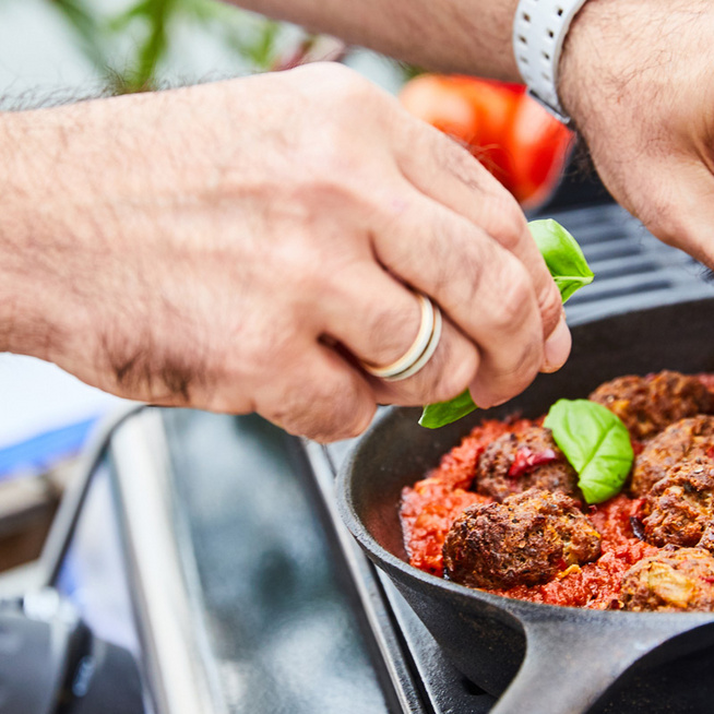Szaftos, olasz húsgombóc paradicsomchutney-val: izgalmas, fűszeres fogás