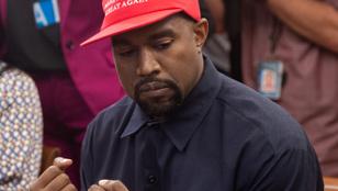 Kanye West azt szeretné, ha ezután mindenki Keresztény Milliárdos Zseni Kanye Westnek hívná