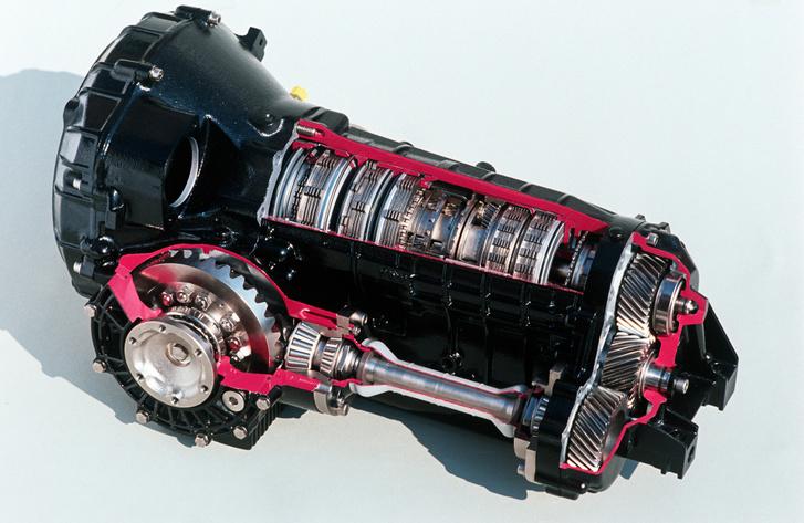 Az eredeti Tiptronic alapja a ZF 4HP22, melyet alapvetően orrmotoros, hátsókerék-meghajtású kocsikhoz terveztek. Használta BMW, Jaguar, Volvo sőt Peugeot is, ám itt egyedi kihajtást kapott