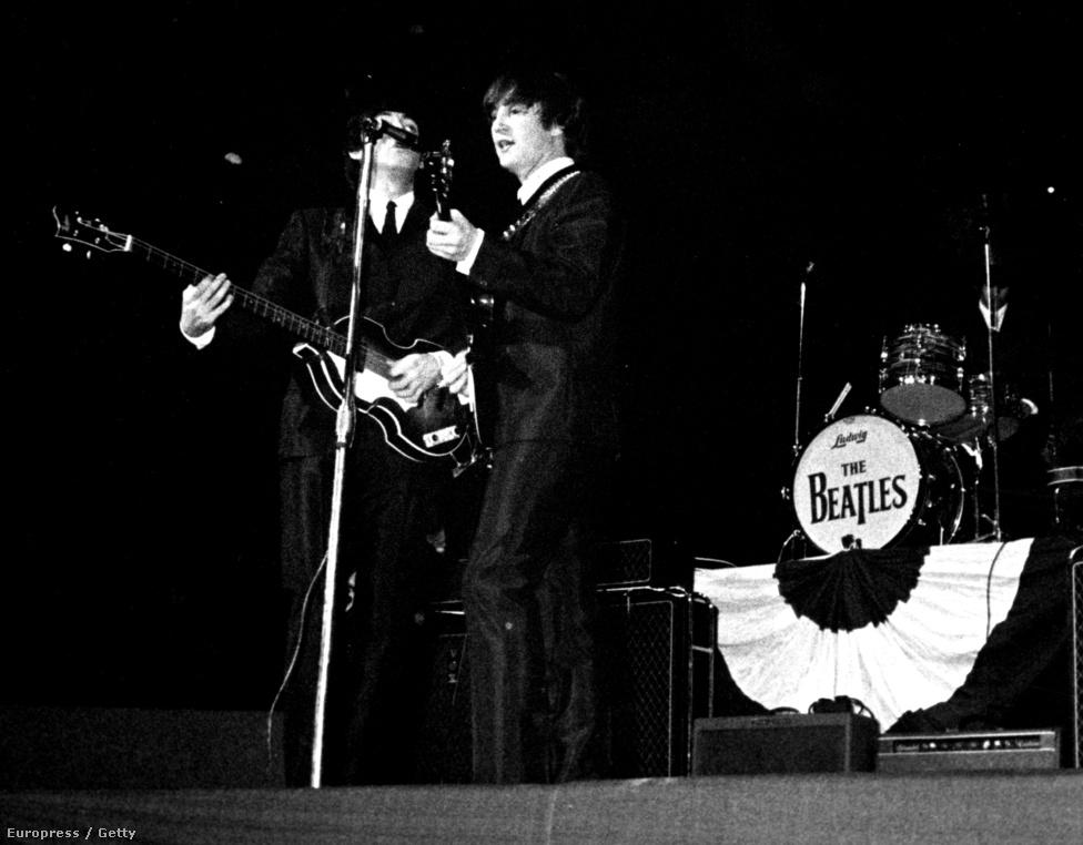 1964-ben, a gyilkosságsorozat utolsó évében lépett fel a Beatles Bostonban.