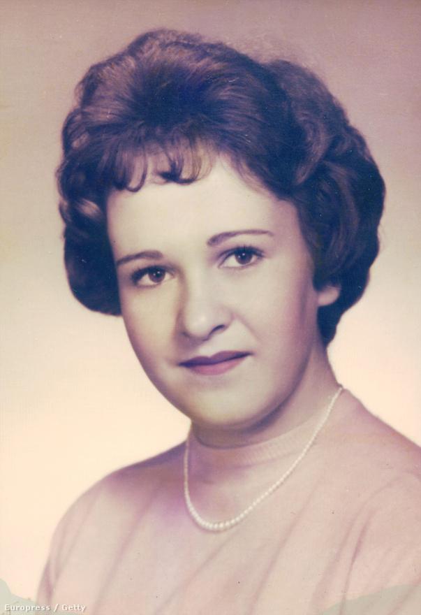 Mary Sullivan. 1964-ben ölte meg állítólag Albert DeSalvo, a bostoni fojtogató. 2001 októberében exhumálták, majd a testén talált ondószerű anyagot összehasonlították DeSalvo DNS-mintájával.