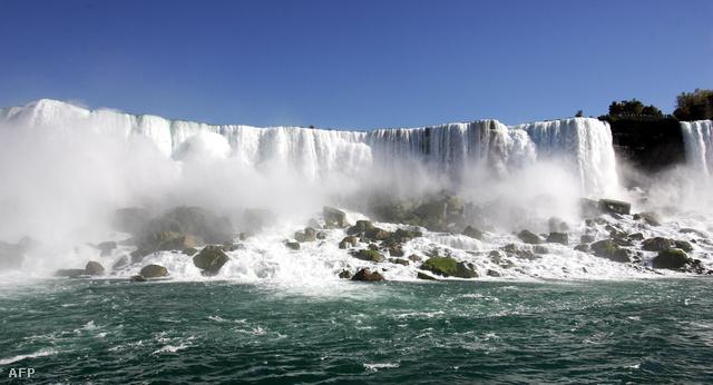 A híres patkó alakú vízesés