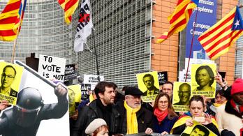 Belgium dönthet a menekült katalán kormánytagok jövőjéről