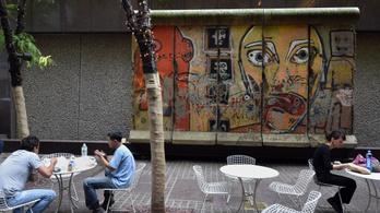 30 éve nincs berlini fal, de az NDK népszerűbb, mint valaha