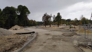 Védett területre építenék a parkolót a Normafán