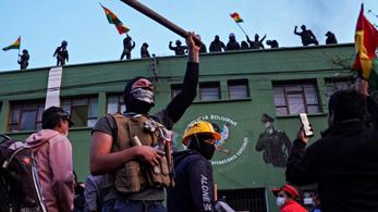 Rendőri egységek lázadtak fel Bolíviában