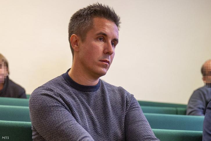 Czeglédy Csaba a Szegedi Törvényszéken 2019. október 21-én, a Human Operator Zrt.-hez kapcsolódó ügy előkészítő ülésén.