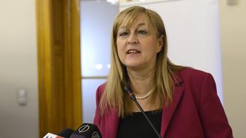 Schmidt Mária nem teszi bélyegre Rajkot és Solt Ottiliát a családjuk tiltakozása után