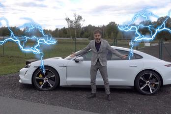 Körmondatok sikítófrásszal: videón a Porsche Taycan Turbo S