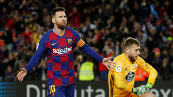 Ezzel a mesterhármassal állította be Messi Ronaldo rekordját