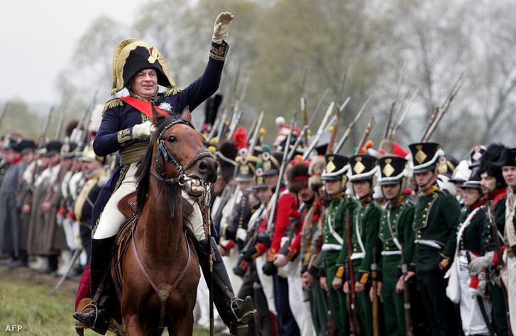 Oleg Sokolov Napóleon-kutató 2006. október 15-én Napóleon-jelmezben az 1812-es csata emlékére rendezett történelmi játékon