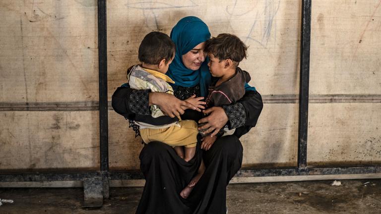 Mi legyen az Iszlám Állam harcosainak európai állampolgárságú gyerekeivel?