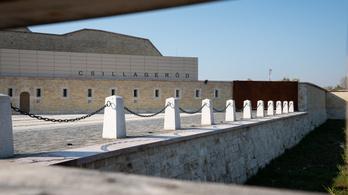 Múzeum lett az erődből, ahol még a latrinából is lőni lehetett