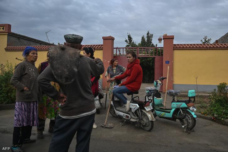 Egy ujgurok által lakott utca Shayar külvárosában.