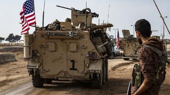 500-600 amerikai katona marad Szíriában, hogy az ISIS ellen harcoljanak