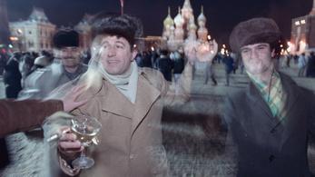 Sztálin válasza az éhínségre: Pezsgőt a szovjet proletárnak!