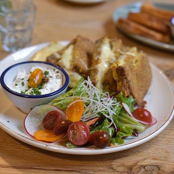 Hangulatos kávézók, mesés reggelizők és szuper éttermek várnak Pécsett