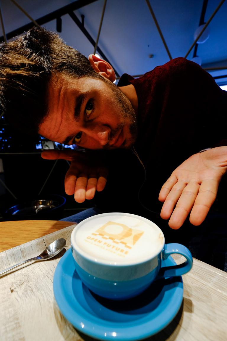 Anti a fotónyomtatott cappuccinóval