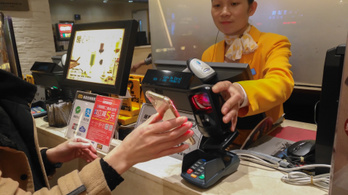 Kína megnyitja kapuit a külföldi hitelkártyák előtt