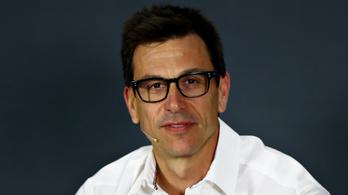 F1: csapatfőnöke nélkül a Mercedes Brazíliában