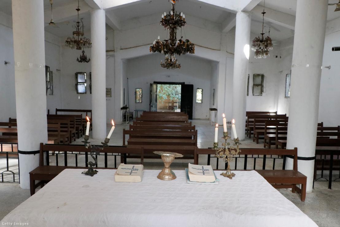 A vasárnap újranyitott templom, amit a a törökökkel szövetséges milíciák rongálták meg