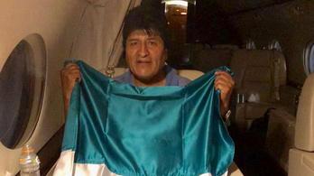 Evo Morales elhagyta Bolíviát