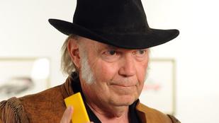 Marihuánahasználat miatt nem kap amerikai állampolgárságot Neil Young