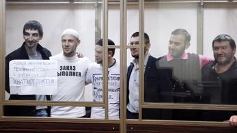 Terrorizmus váddal ítéltek el hat krími tatárt Oroszországban