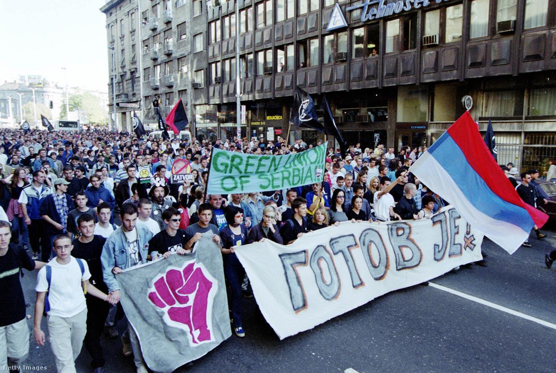 Tüntetés Belgrádban 2000 októberében