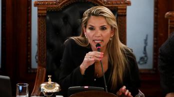 Washington hazarendelte Bolíviában lévő diplomatáinak családtagjait