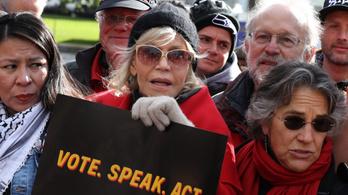 Jane Fonda: Bíróság elé kellene állítani azokat, akik nem tartanak a klímaváltozás ellen harcolókkal