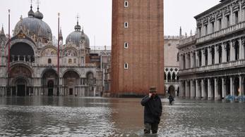 Eddig ketten vesztették életüket a velencei árvízben