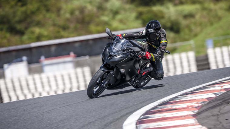 Kawasaki-electric-motorcycle-project-02