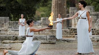 Eldőlt, mikor lobbantják fel az olimpiai lángot Héra papnői