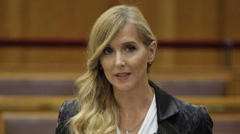 Megkérdezték az államtitkár asszonyt, mennyire nőies az új Puskás Aréna