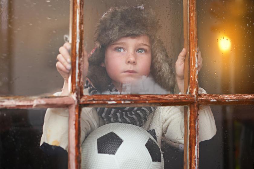Mivel foglalható le a gyerek a hosszú estéken és esős napokon? 7 kreatív, gondolkodtató beltéri ötlet