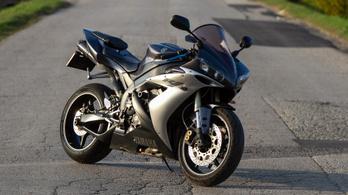 Használt: Yamaha YZF-R1 - 2004.