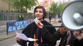 Ha a katolikusok határozott véleményt fogalmaznak meg, tűrjék a kritikát