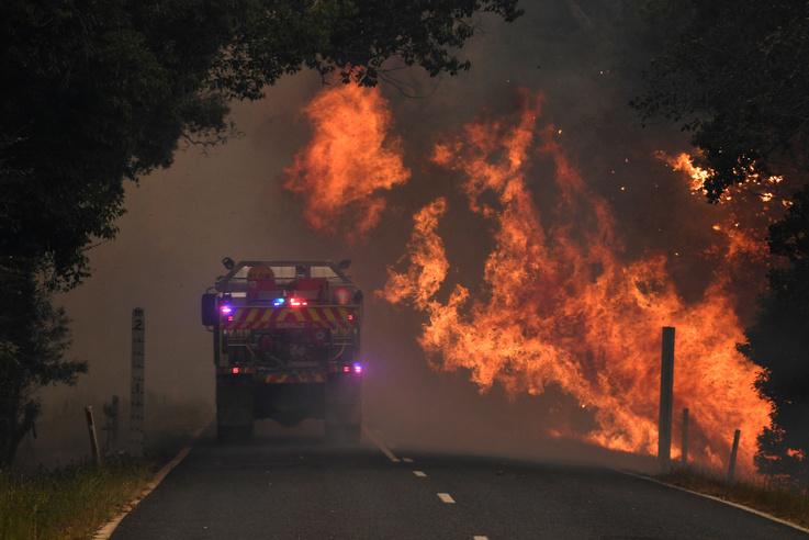 Tűzoltóautó Nana Glenben kedden
