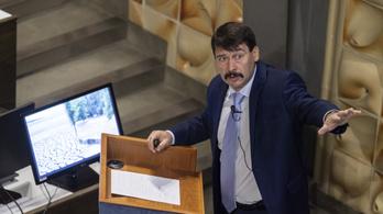 Áder arról beszélt, hogy Magyarország igazi klímabajnok
