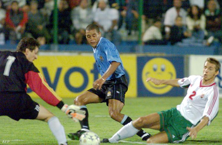 A 2000-ben játszott meccsen Dario Rodriguez támad Gelei és Hornyák ellen