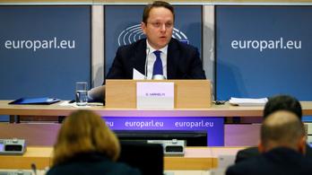 Várhelyi: bármelyik kormánnyal szemben megvédem az uniós álláspontot