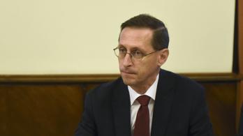 Varga: Elfogadható a 10 százalékos minimálbér-emelés