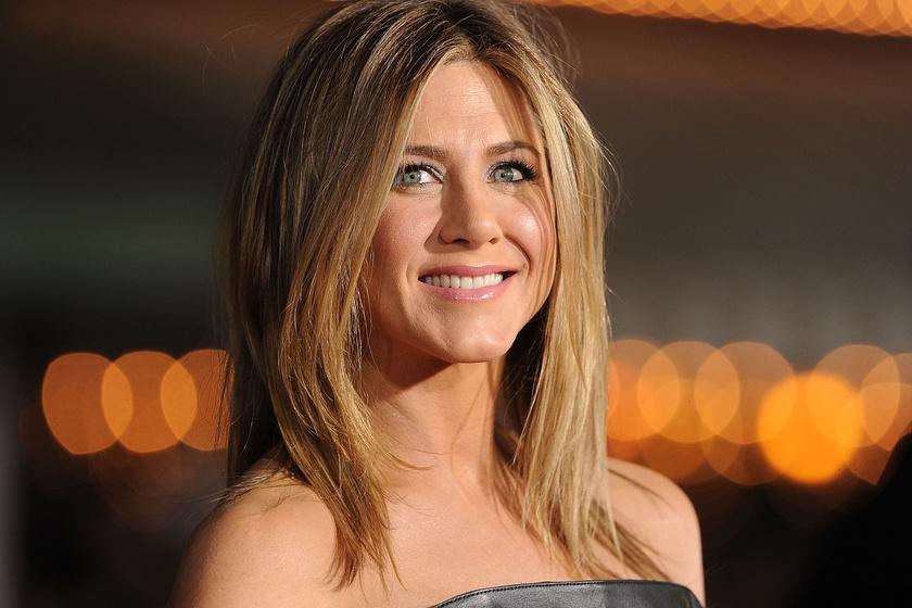 Az 50 éves Jennifer Aniston 20 évet is letagadhatna - Mit eszik, mit iszik, és hogyan ápolja a bőrét?