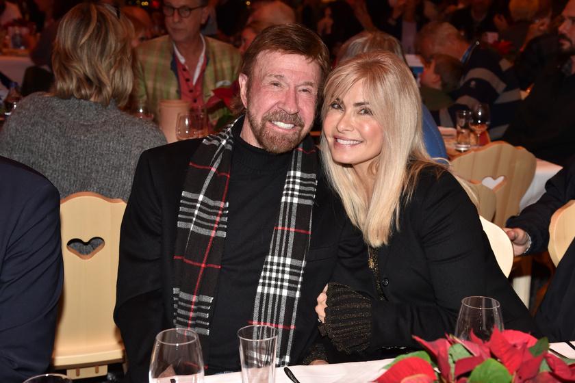 Chuck Norris és felesége, Gena O'Kelley nagyon jól mutatnak együtt.