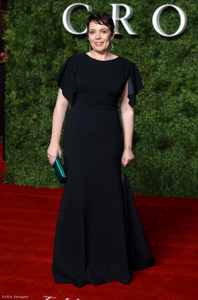 A tavasszal Oscar-díjjal kitüntetett Olivia Colman egy csupafekete ruhában jött el ünnepelni, és nem volt egyedül a színválasztással